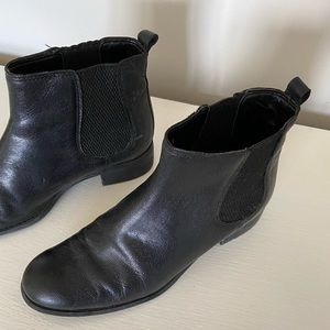 Nine West | Black Leather Booties Sz 8